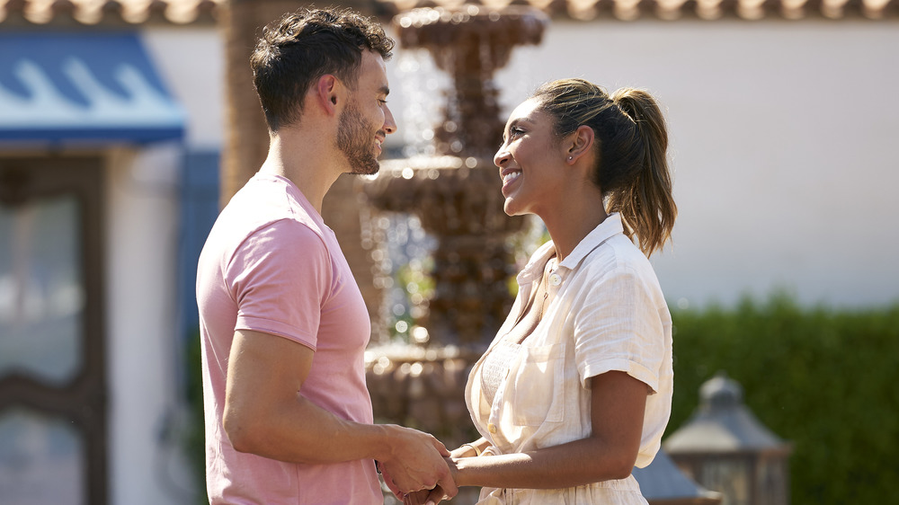 'The Bachelorette' finale recap: Zac proposes to Tayshia