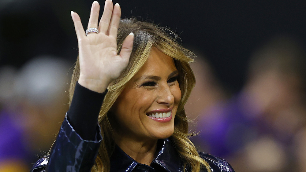 Melania Trump waving to supporters