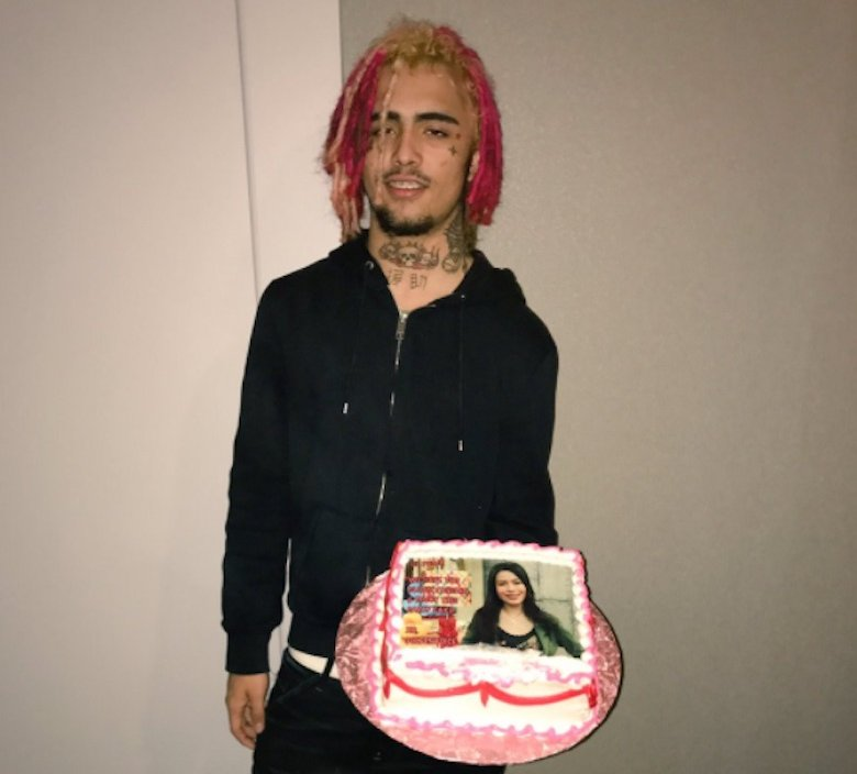 Lil Pump Makes Icarly A Cake