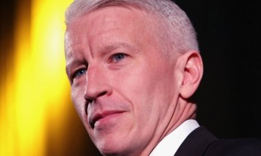 the-dark-and-tragic-past-behind-anderson-cooper
