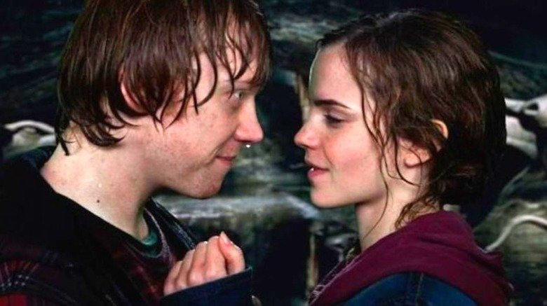 Rupert Grint, Emma Watson in Harry Potter and the Deathly Hallows Part 2