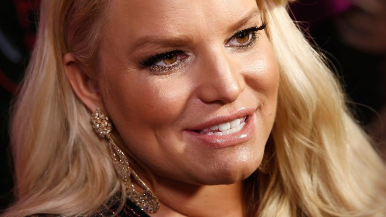 Jessica Simpson flaunts 100-pound weight loss