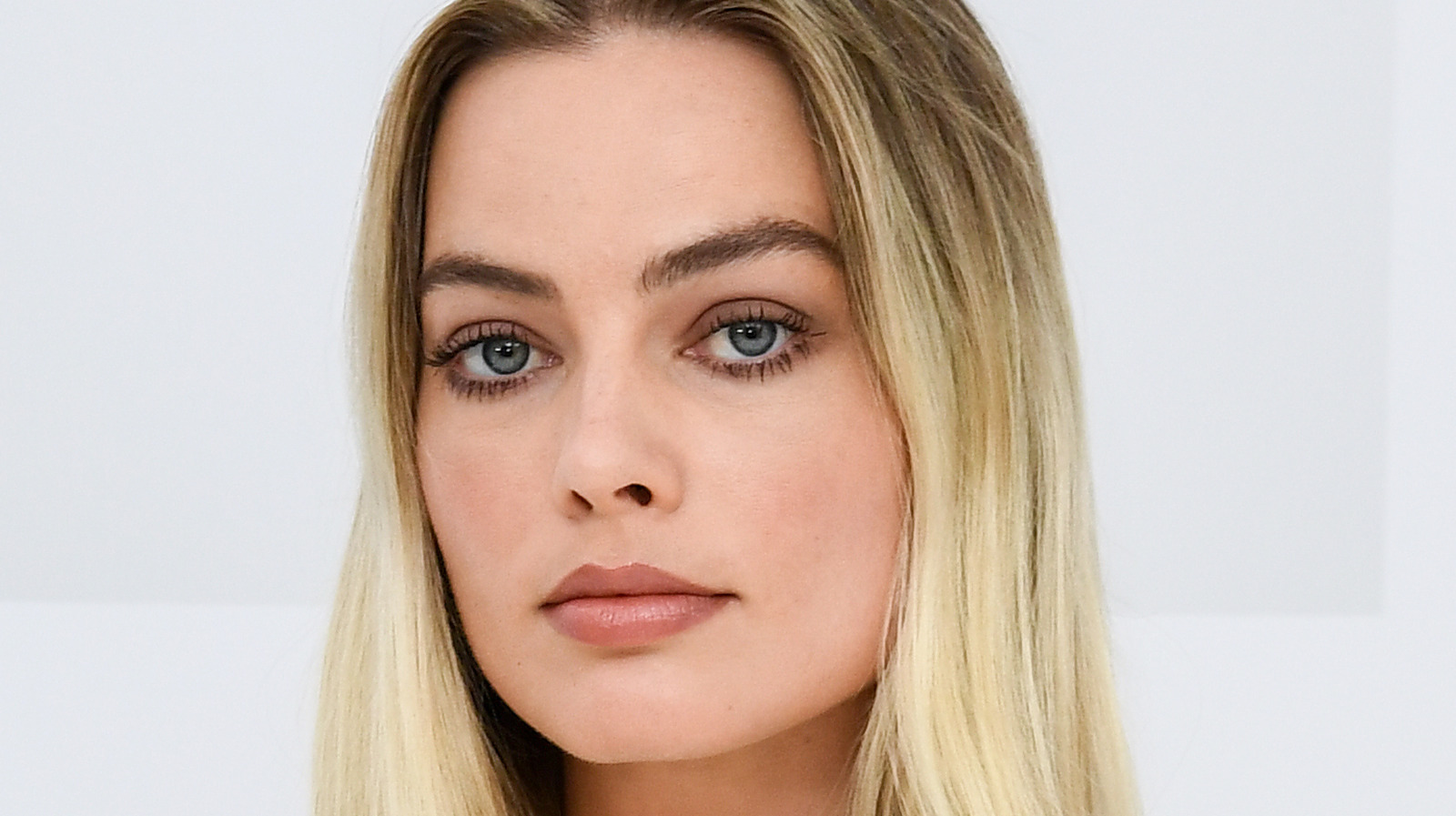 Margot Robbie Breaks Down Her Diet.jpg