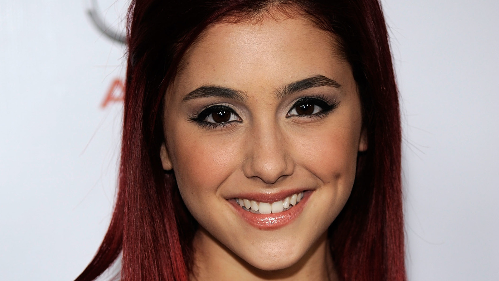 The Dramatic Transformation Of Ariana Grade From 16 To 27 Years Old.jpg