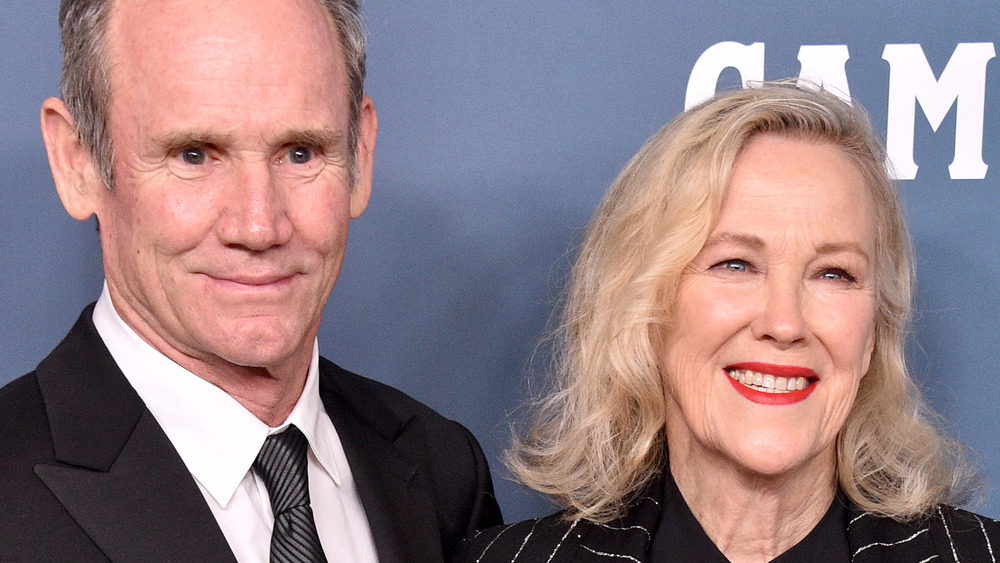 Bo Welch and Catherine O'Hara pose together on the red carpet