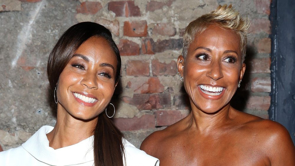 Willow Smith : Go On Red Table Talk With Jada Pinkett