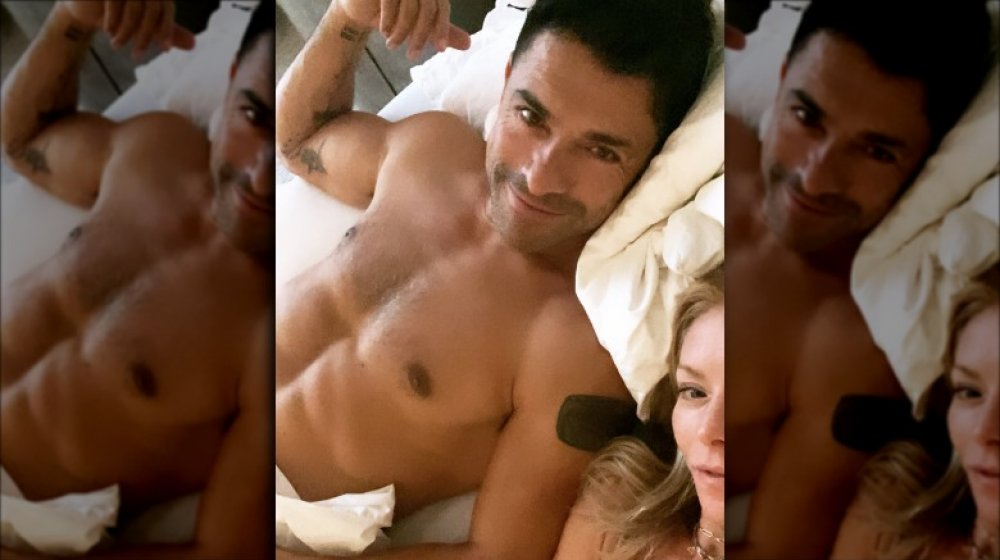 Mark Consuelos and Kelly Ripa in a selfie