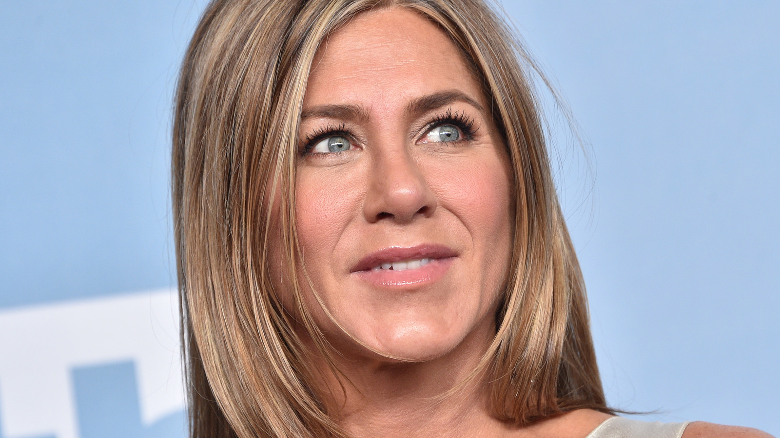 Why Fans Are So Concerned With Jennifer Aniston's Voice.jpg